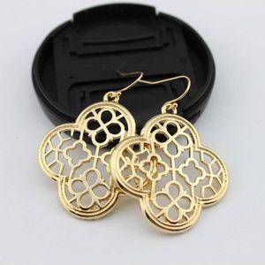 Jewelry - Quarterfoil Clover Earrings